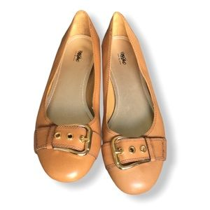 Free Add on in a bundle. Mossimo flats